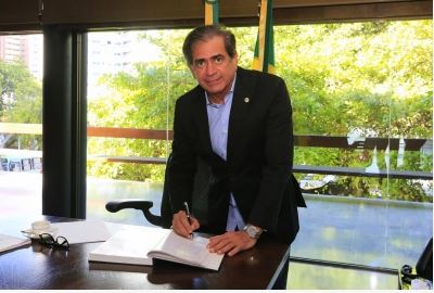 Presidente da AL assume interinamente Governo do Ceará